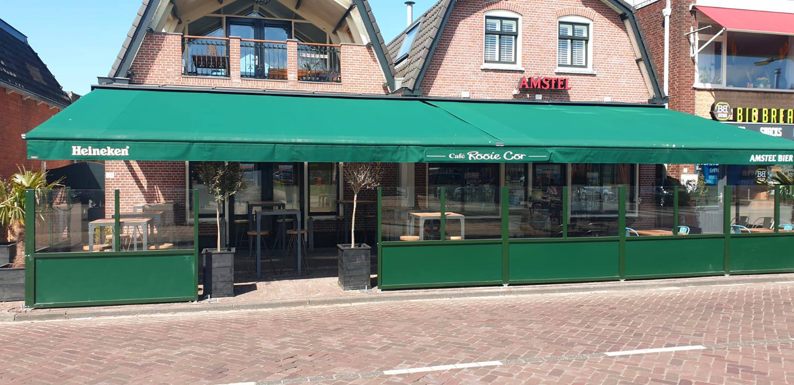 Terras Café Rooie Cor